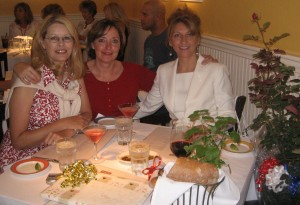 My birthday lunch May 2007. L to R Lori Duffy, Elizabeth Fulgaro, Andrea O'Brien. The Lord called us His Daughters of Praise. The three of us worshipped together, sought His will together, prayed for it together and encouraged one other while we each walked out our individual parts.